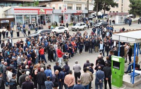 Ցուցարարներին չեն բավարարել Նախագահ Սահակյանի հետ բանակցությունները. բողոքի ակցիան շարունակվում է