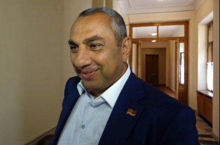 Այս պահից սկսած ՀՀԿ-ն այլեւս մեծամասնություն չէ.Սամվել Ալեքսանյանը ևս լքեց ՀՀԿ խմբակցությունը