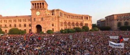 Բլոգեր Ռոմանովն անդրադարձել է Հանրապետության հրապարակում հանրահավաքին. այստեղ լավ մարդիկ են (տեսանյութ)