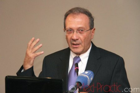 «Ժողովուրդ» .«Բանդա» արտահայտությունը զայրացրել է Սերժ Սարգսյանի խնամուն.նա դատի է տվել առողջապահության նախարարին
