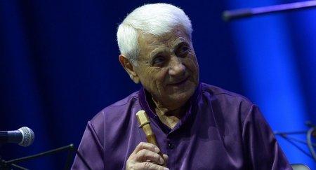 90-ամյակը պատկառելի հոբելյան է, և մենք շարունակում ենք ուրախանալ՝ տեսնելով Ձեզ բեմի վրա. Նիկոլ Փաշինյանը շնորհավորել է Ջիվան Գասպարյանին