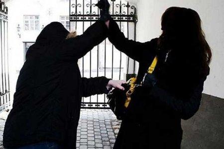 Երևանում տղամարդը հարձակվել է բանկից 15 մլն դրամ ստացած կնոջ վրա և «թռցրել» գումարը