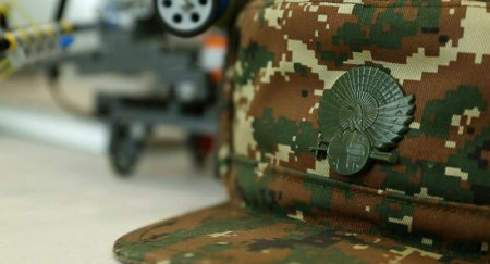 Վիրավորված զինծառայողի  վիճակը ծանր է. ՊՆ-ն դեռ լռում է