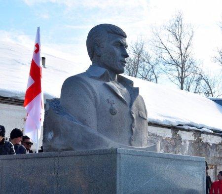 Սկանդալ Վրաստանում.Ի՞նչ գործ ունի Վրաստանում ղարաբաղյան պատերազմի հերոսի հուշարձանը