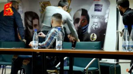 Տեսանյութ.Ծեծկռտուք հայ բռնցքամարտիկի մասնակցությամբ մամուլի ասուլիսի ժամանակ