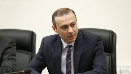 Ադրբեջանը «հակառուսական» հաստափոր թղթապանակ է ներկայացրել Կրեմլ Հայաստանի իշխանությունների մասին. «Հրապարակ»
