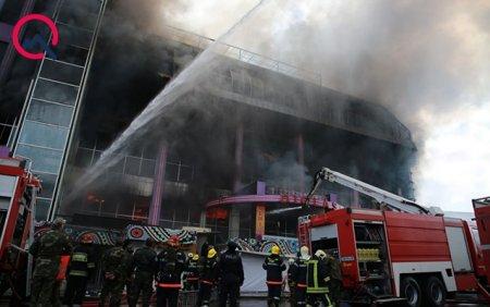Բաքվում առևտրի կենտրոնը հրդեհի հետևանքով ամբողջովին այրվել է.այն պատկանում է ԱԱՆ նախկին ղեկավարի որդուն