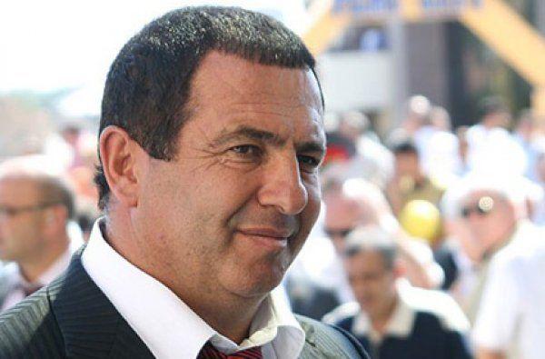Հենց նոր կալանավորեցին ԲՀԿ նախագահ Գագիկ Ծառուկյանին Ազատության հրապարակից